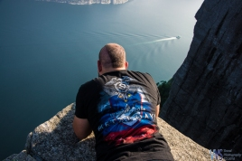 Some are more brave than others, but I didn't want to risk vertigo at the edge of the 604m vertical fall to the fjord.